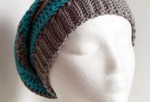 Crochet Accessories / Mainly scarves, shawls and hats, mostly with pattern links