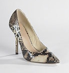 Shoes...how gorg / Date night, party time, casual, formal and all the gorgeous shoes. / by Ruth Damaris