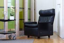 Dieter Rams / Wir freuen uns, eine kleine, feine Auswahl an Vitsoe Sesseln von Dieter Rams anzubieten.