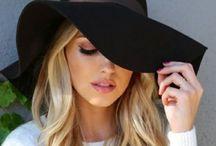 chapeaux