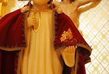 Él es Jesús! / A Él sea la gloria, la honra y el imperio! (1 Pe 5,11)
