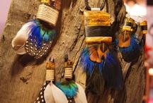 Amberwood / Amberwood to przepiękna biżuteria projektantki Marty Włodarskiej łączy bursztyn z drewnem