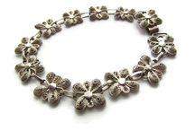 Vintage Jewelry / Timeless pieces of vintage jewelry, sure to make you smile!  #vintagejewelry