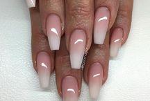 Nails•