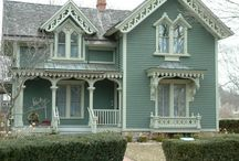 Charming Old Houses / Old houses have such 'character'....I would love to be able to get one and fix it up!!