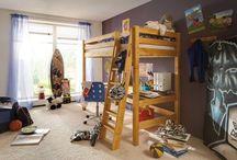 Hochbett - Gestaltungsideen fürs Kinderzimmer / Hochbetten unterscheiden sich nicht nur im Material, und in der Farbe sowie Größe. Finde bei Wallenfels Kindermöbel Anregung und Inspiration zu Hochbetten Design für dein Kinderzimmer.