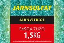 """Järnsulfat (Järnvitriol) FeSO4·7H2O / Järnsulfat är aktiv beståndsdel i medel mot mossa som det flytande Mossa GTI, MossNix med flera. MossNix med flera granulat är ren järnsulfat. Weibulls har också mossmedel med järnvitriol. Dessa produkter hittar man om man söker på """"järnsulfat mot mossa"""", """"mossa i gräsmattan"""" och liknande. http://allt-fraktfritt.se/pavaxt-algstopp-lavar-mogel-fulstopp-tvarstopp-svam/jarnsulfat-jarnvitriol.html"""