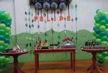 1º Ano Safari Baby - Menino / Festa de 1 ano, tema Safari Baby. Mesa de lembranças doces e embalagens criativas.