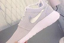 obuv, oblečení