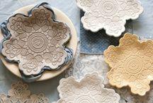 gliniane dekoracje