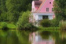 Little house, to cute. / by Jil Manuel