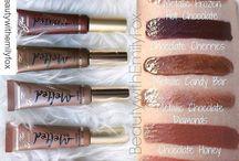 Makeup Collection / The Ultimate Makeup Bag