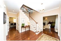 Great Entryways / Inviting foyers
