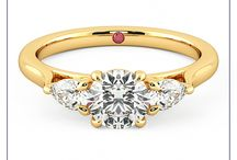 Yellow Gold Engagement Rings / Yellow gold is the most traditional of precious metal options. A popular choice for jewellery especially engagement and wedding rings as it appeals to those who desire its rich appearance and strength.