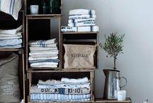 [ Caisse ] ✪ Commode, Colonne & Dressing / Des caisses en bois pour composer une colonne de salle de bain et égayer serviettes de bain et gants de toilettes, ou encore une commode dans la chambre pour composer un véritable bar à jeans...