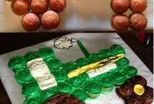 Cake cake cake / by Hannah Schafer