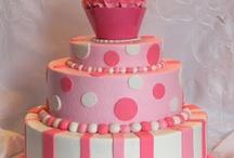 Cakes & Cupcakes / by Andrea Morgan