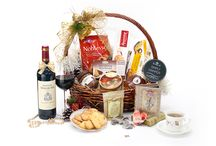 Christmas Hamper 2015 / A collection of beautiful wicker hamper with almost endless combination of fruitty, nutty and wholesome cookies paired with a selections of quality tea sachets and fine wine to complement any dinner party.