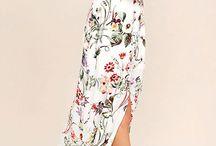 Floral / Floral Print, Floral Design, Floral Dress, Floral Outfit, Floral Pattern, Floral Maxi, Floral Fashion, Floral Clothing - Best Chic Fashion!