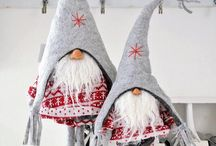 Mikołajki / Santa Clauses