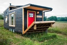 Tiny houses with deck as patio