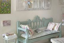 Painted Vintage Style Benches / Inspiration for painted shabby chic, vintage, french style benches