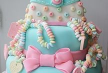 Cakes/Cupcakes / by Aletia Scott