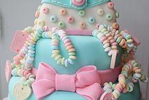 Cakes/Cupcakes / by Aletia Scott