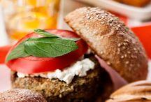 Veggie Burger Recipes / Tasty and healthy veggie burger ideas.
