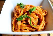 Pasta dishes  / Pasta in creamy tomato sauce
