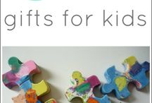 DIY Gifts / DIY gifts for babies, kids and adults. Also gifts that kids can make.