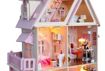 •Doll houses•