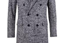Saint Laurent Paris: Raglan Tweet Coat; 2.250€