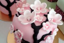 Cake Decorating / by Ariel Busing