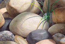 Aqua petites et grosses roches