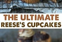 Creative Cupcake Recipes / Creative cupcake ideas for holidays, birthdays, weddings and more. Chocolate cupcakes, peanut butter cupcakes and cream cheese frosting!