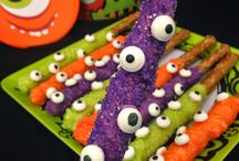 """""""Spooky"""" Recipes and Ideas / Find recipes and creations perfect for Halloween parties and get togethers."""