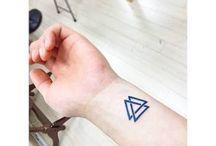 tatuajes antebrazo cruz
