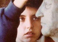 Marta Gierut / Allieva di Franco Miozzo, frequenta l'Istituto Statale Stagio Stagi di Pietrasanta. Vincitrice del Premio di Scultura Pietro Mazzei nel 1995 e di varie borse di studio ottenute in ambito toscano, si diploma all'Accademia di Belle Arti di Carrara nel 2000