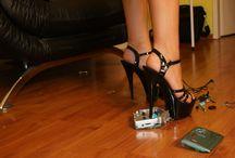 High Heel Crushing / dangling, dipping, füsse, feet, foot, shoes, heels, frauenfüsse, fuss, Nylons, stockings, pantyhose, toes, zehen, crushing, stomp