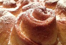 """About My Bakery / Il blog di Annamaria: http://blog.cookaround.com/aboutmybakery  --  Sono Annamaria, ho 22 anni e adoro cucinare. Ho deciso di chiamare il mio blog """"About My Bakery"""" perché è in realtà è un acronimo: le iniziali del mio nome sono A M B! Sono di Salerno, ma vivo a Milano e frequento l'ultimo anno di università in Economia."""