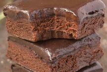 Csokoládék, krémek, édességek, felfújtak