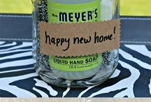 Housewarming / Headed to a housewarming party or hosting your own? Check out these great ideas!