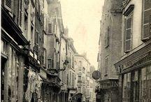 [Re]découvrez Chartres / Redécouvrez Chartres grâce aux cartes postales issues des collection patrimoniales de médiathèque l'Apostrophe. Le but du jeu est de déterminer de quel(le) rue, monument ou bâtiment il s'agit et de prendre un cliché se rapprochant le plus de la vue initiale.