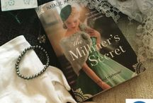 Books with a Fashion Forward theme / Fashion, Dresses and jewellery in books