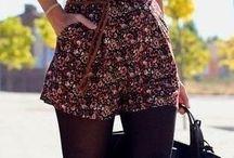 E! Outfits / by Paola Toledo