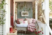 Cozy Front Porches / Cozy & Cute Little Front Porches