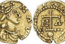 Childebert III (650 +662) dit l'Adopté. R. Francs d'Austrasie (656-662) / Childebert III dit l'Adopté; roi des Francs d'Austrasie (656-662) Préd: Sigebert III, succ: Childéric III. - Mérovingien né vers 650, mort le 18 octobre 662. Serait le fils de Grimoald adopté par Sigebert III, ou fils de Sigebert III adopté par Grimoald.