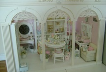 Miniatures and Dollhouses / by Amber Young