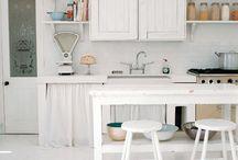Cottage Kitchen / Cottage kitchens, french vintage decor, vintage kitchens